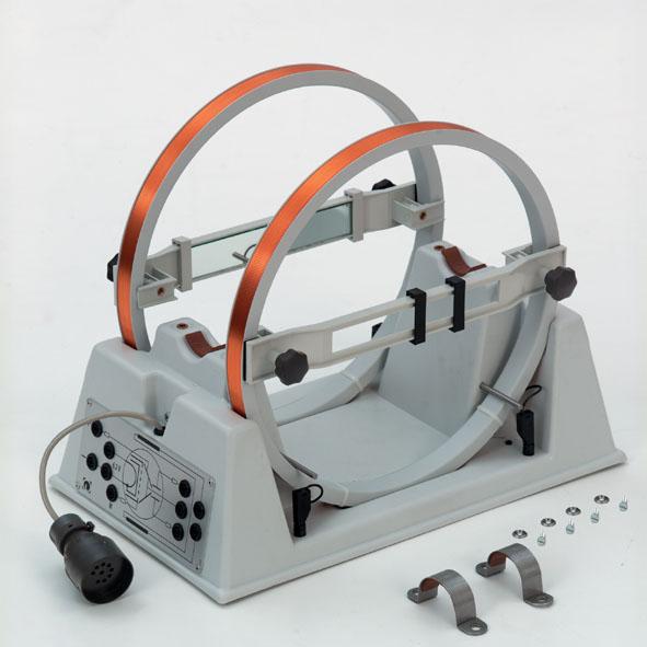 Helmholtzspulen mit Ständer und Messvorrichtung