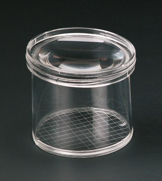 Flaschenlupe mit Quadratgitter