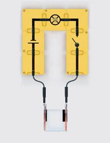 Stromfluss in Flüssigkeiten - Aufbau mit Leiterbausteinen