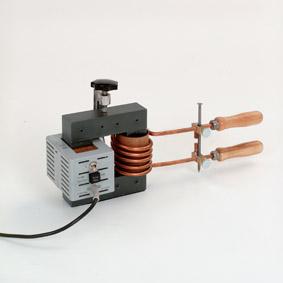 Modell eines Hochstromtransformators - Schmelzen eines Nagels