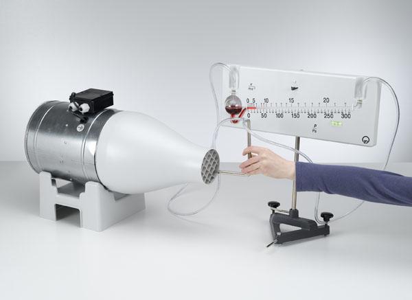 Bestimmung der Windgeschwindigkeit mit einer Drucksonde nach Prandtl - Druckmessung mit dem Feinmanometer