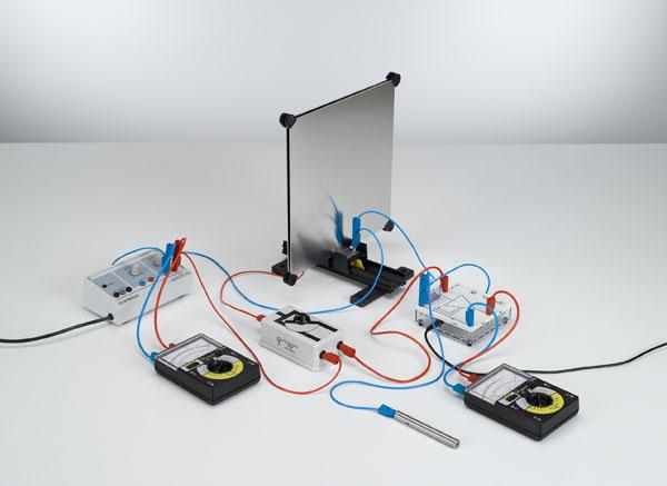 Bestimmung der Kapazität eines Plattenkondensators - Ladungsmessung mit dem Elektrometerverstärker