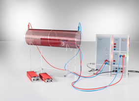 Messung der Induktionsspannung in einer Leiterschleife bei veränderlichem Magnetfeld - mit Power-CASSY als variable Stromquelle