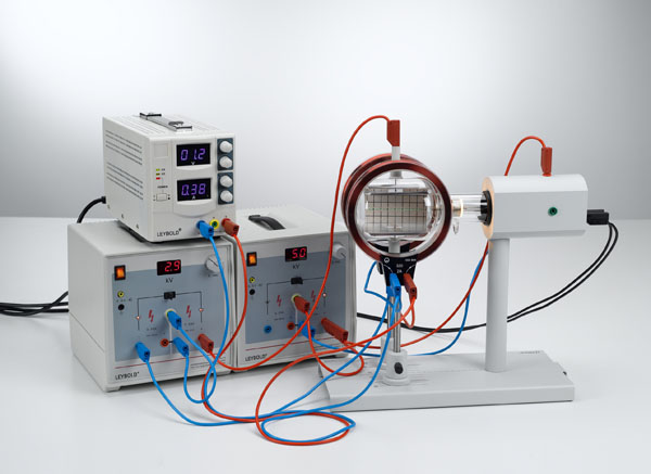 Aufbau eines Geschwindigkeitsfilters (Wien-Filter) zur Bestimmung der spezifischen Elektronenladung