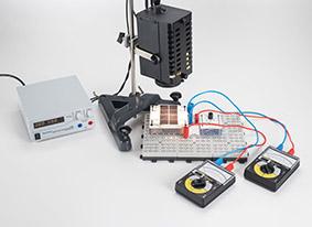 Aufnahme der Strom-Spannungs-Kennlinien einer Solarbatterie in Abhängigkeit von der Bestrahlungsstärke