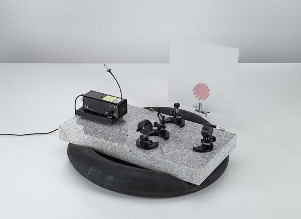 Aufbau eines Michelson-Interferometers auf der Laseroptik-Grundplatte