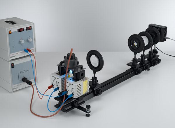 Messung der Zeeman-Aufspaltung der roten Cadmium-Linie in Abhängigkeit vom Magnetfeld - Spektroskopie mit einem Fabry-Perot-Etalon