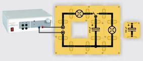 Laden und Entladen eines Kondensators - Aufbau mit Leiterbausteinen